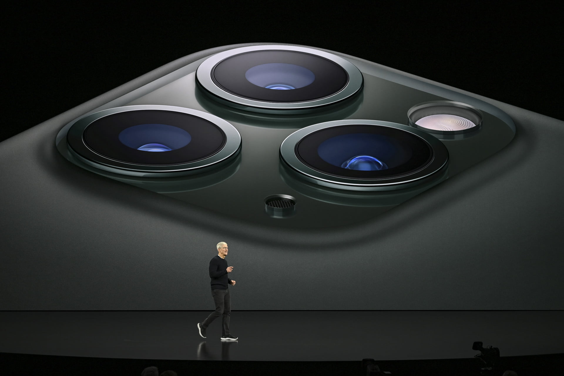 iPhone 11 Pro and Pro Max Camera Lenses | Apple September 2019 Event Keynote