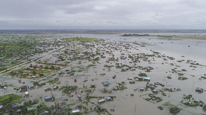 Aerial assessment of Mozambique floods using drones