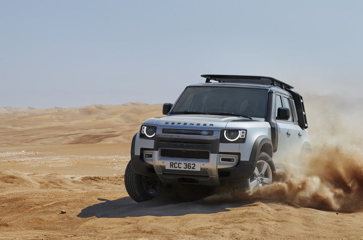 2020 land rover defender boasts rugged style usable tech lr def 20my 110 dynamic 100919 12